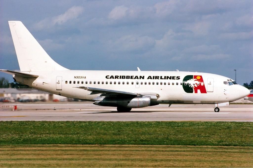 caribbean_airlines_boeing_737-200_jetpix